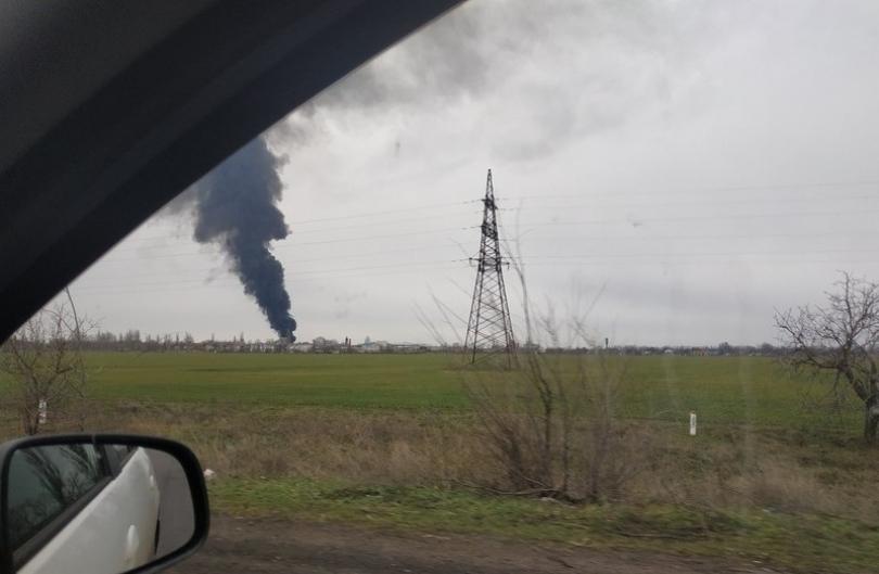Масштабный пожар на нефтебазе по Николаевом Фото № 1
