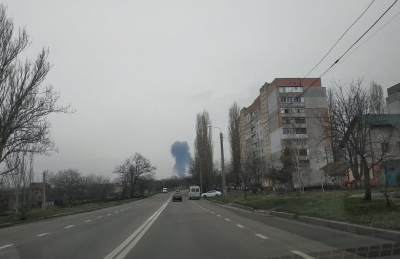 Масштабный пожар на нефтебазе по Николаевом Фото № 2